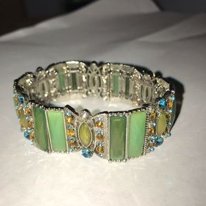Jewelry - Elastic green gem cuff bracelet